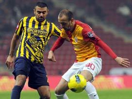 Galatasaray farkı 4'e çıkardı / CANLI