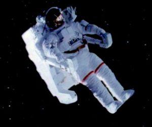 Astronotlar Uzayda Neden Koruyucu Kıyafet Giyerler