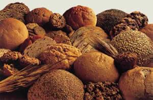 mide-asidini-emen-ekmek-mide-agrisina-iyi-gelir