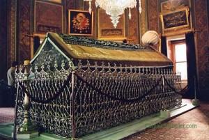 fatih-sultan-mehmet-turbesi-resimleri-3
