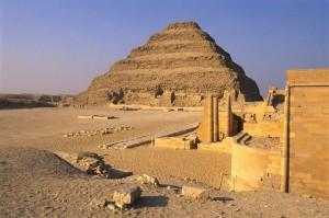 2650-2631 B.C., Saqqarah, Egypt --- Step Pyramid of Zoser --- Image by © Sandro Vannini/CORBIS