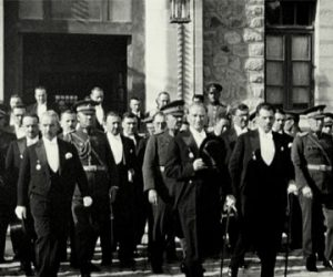 Mustafa Kemal Neden Cumhuriyeti Getirdi