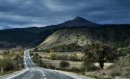 Dağ Ne Kadar Yüce Olsa Yol Üstünden Aşar Atasözünün Anlamı Ve Kompozisyon
