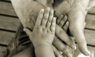 Aile Bağlarının Güçlü Olması Kişiliğimizi Geleceğimizi Nasıl Etkiler?