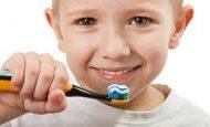 Dişlerimizi Neden Fırçalarız?